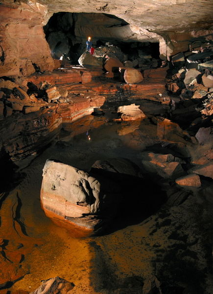 435px-Cueva_Ojos_de_Cristal