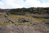 800px-Roraima_Rocks3