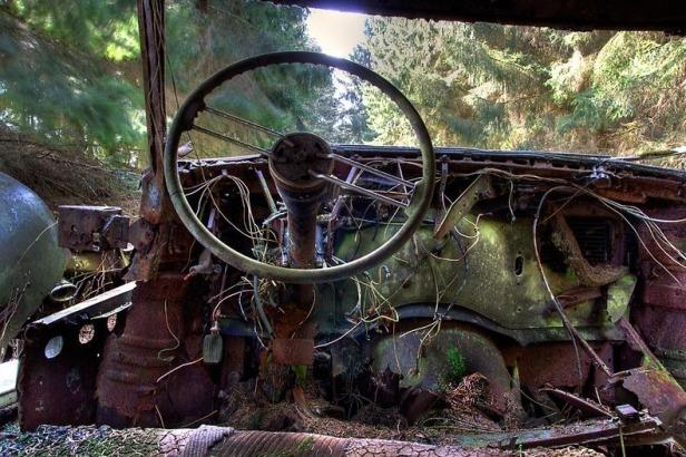 chatillon-car-graveyard-152