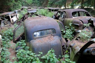 chatillon-car-graveyard-35