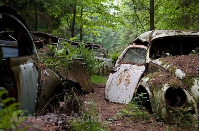 chatillon-car-graveyard-4[2]