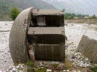 800px-Damaged_bunker_in_Valbona