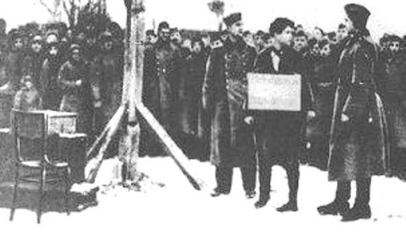 Zoya-2-at-the-gallows