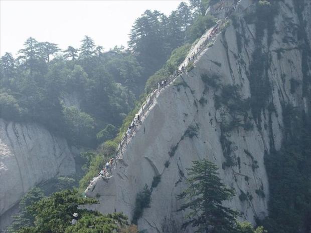 409918d1353383767-most-dangerous-hiking-trail-world-hike4