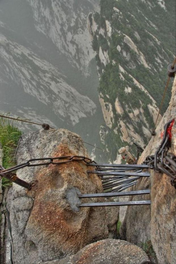 409919d1353383783-most-dangerous-hiking-trail-world-hike5