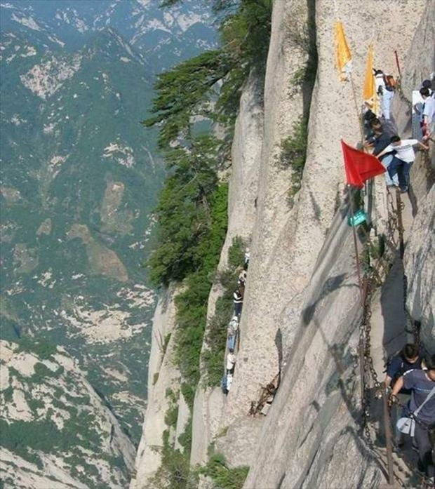 409921d1353383831-most-dangerous-hiking-trail-world-hike7