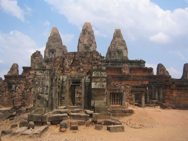 AngkorPre-Rup-one-of-the-many-temple-ruins-within-the-Angkor-Archaeological-Park