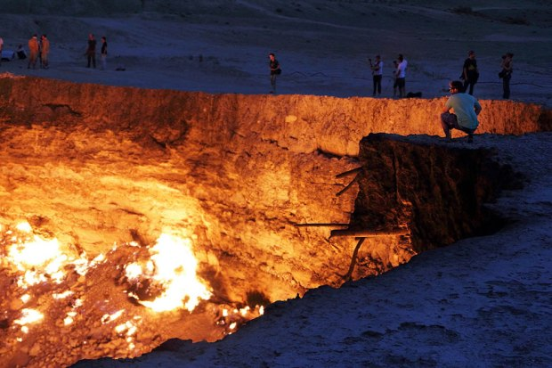 Derweze-42-years-later-the-Door-to-Hell-gas-deposit-is-still-burning
