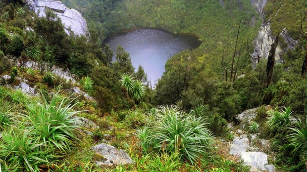 Looking-down-from-the-climb-to-Frenchmans-Cap-at-Lake-Tahune