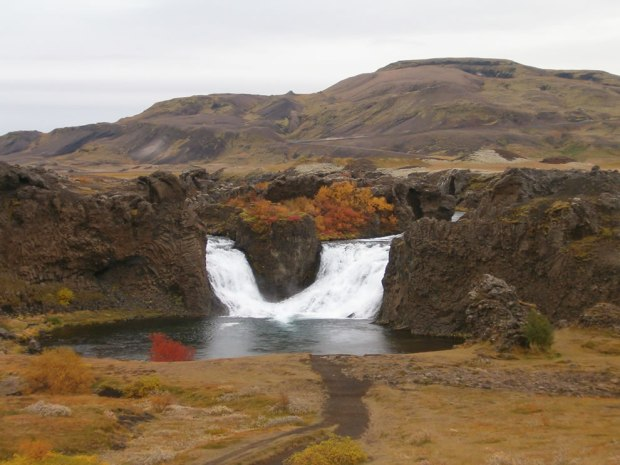 October-view-of-Hjálparfoss-waterfall-in-Iceland