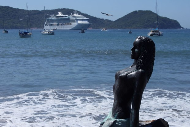 Radiance-Of-The-Seas-@-Zihuantanejo-Port-Acapulco
