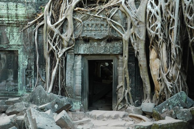 The-famous-empty-doorway-of-Ta-Prohm