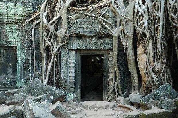 The-famous-empty-doorway-of-Ta-Prohm