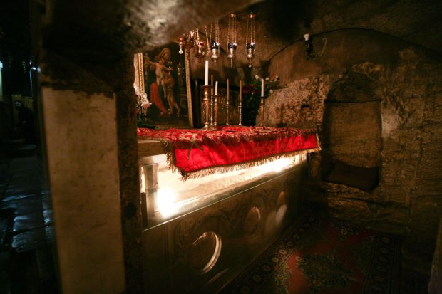 Tomb-of-the-Virgin-Mary