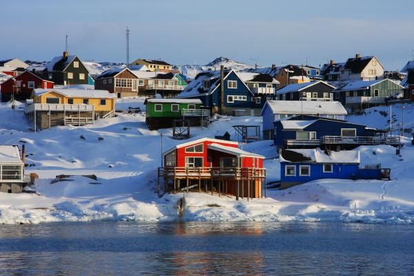411366d1353810559-beautiful-greenland-colorful-houses-ilulissat-greenland-400x600