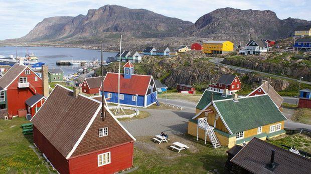 411376d1353810572-beautiful-greenland-800px-sisimiut-centrum